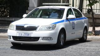 Θεσσαλονίκη: Νεαροί εισέβαλαν με κλεμμένο όχημα σε δύο επιχειρήσεις