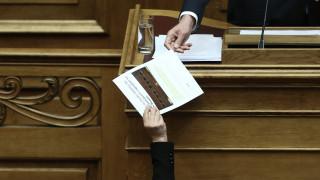 Προανακριτική για Παπαγγελόπουλο: Υψηλοί τόνοι αλλά απουσία του πρωθυπουργού