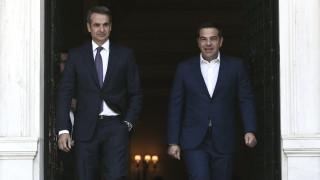 To παρασκήνιο των συνομιλιών Μητσοτάκη με τους πολιτικούς αρχηγούς