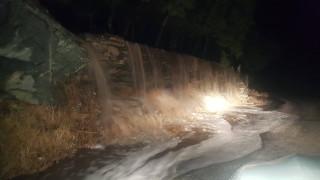 Σφοδρή κακοκαιρία έπληξε την Άνδρο: Πλημμύρες, κατολισθήσεις και εγκλωβισμοί