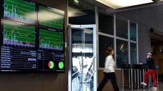 Δεκαετές ομόλογο: Το Δημόσιο άντλησε από τις αγορές 1,5 δισ. ευρώ με επιτόκιο 1,5%