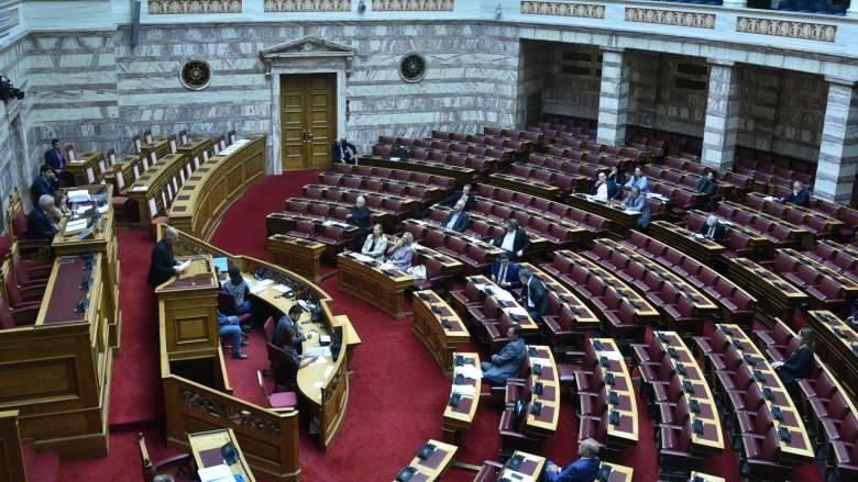 Novartis: Σε εξέλιξη η συζήτηση στη Βουλή για σύσταση προανακριτικής κατά Παπαγγελόπουλου
