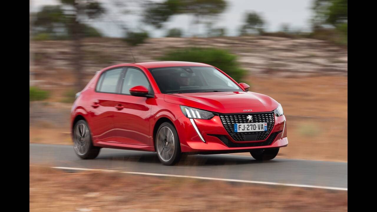 https://cdn.cnngreece.gr/media/news/2019/10/09/193299/photos/snapshot/PEUGEOT-208-3.jpg