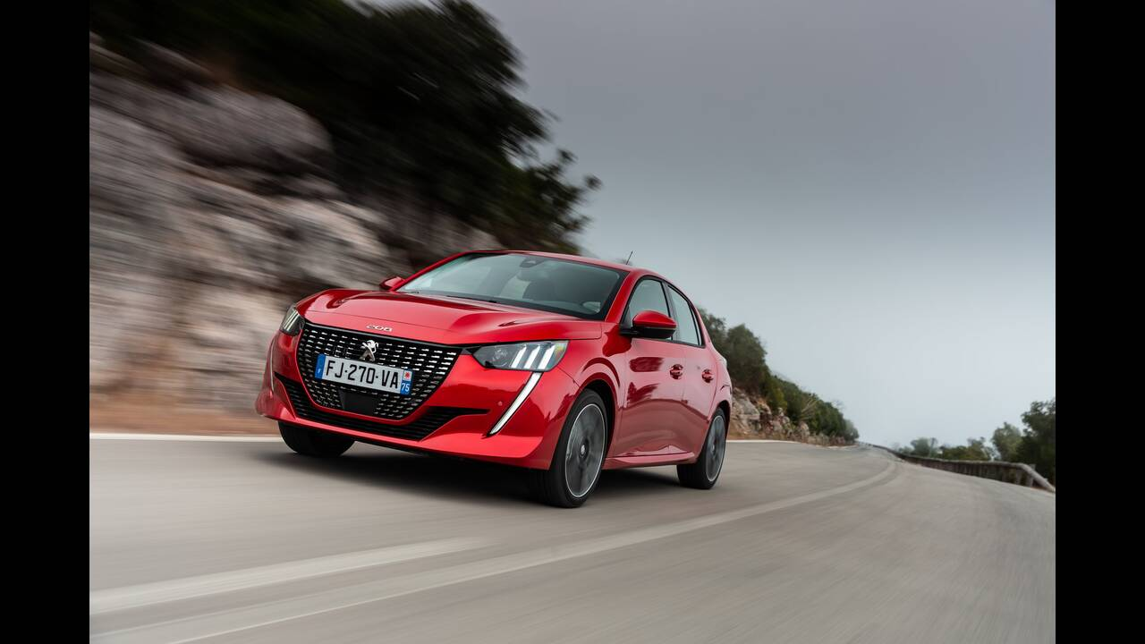 https://cdn.cnngreece.gr/media/news/2019/10/09/193299/photos/snapshot/PEUGEOT-208-5.jpg
