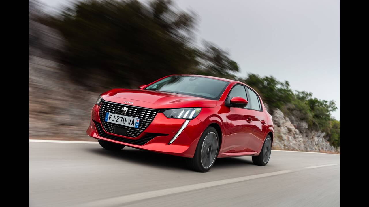 https://cdn.cnngreece.gr/media/news/2019/10/09/193299/photos/snapshot/PEUGEOT-208-6.jpg