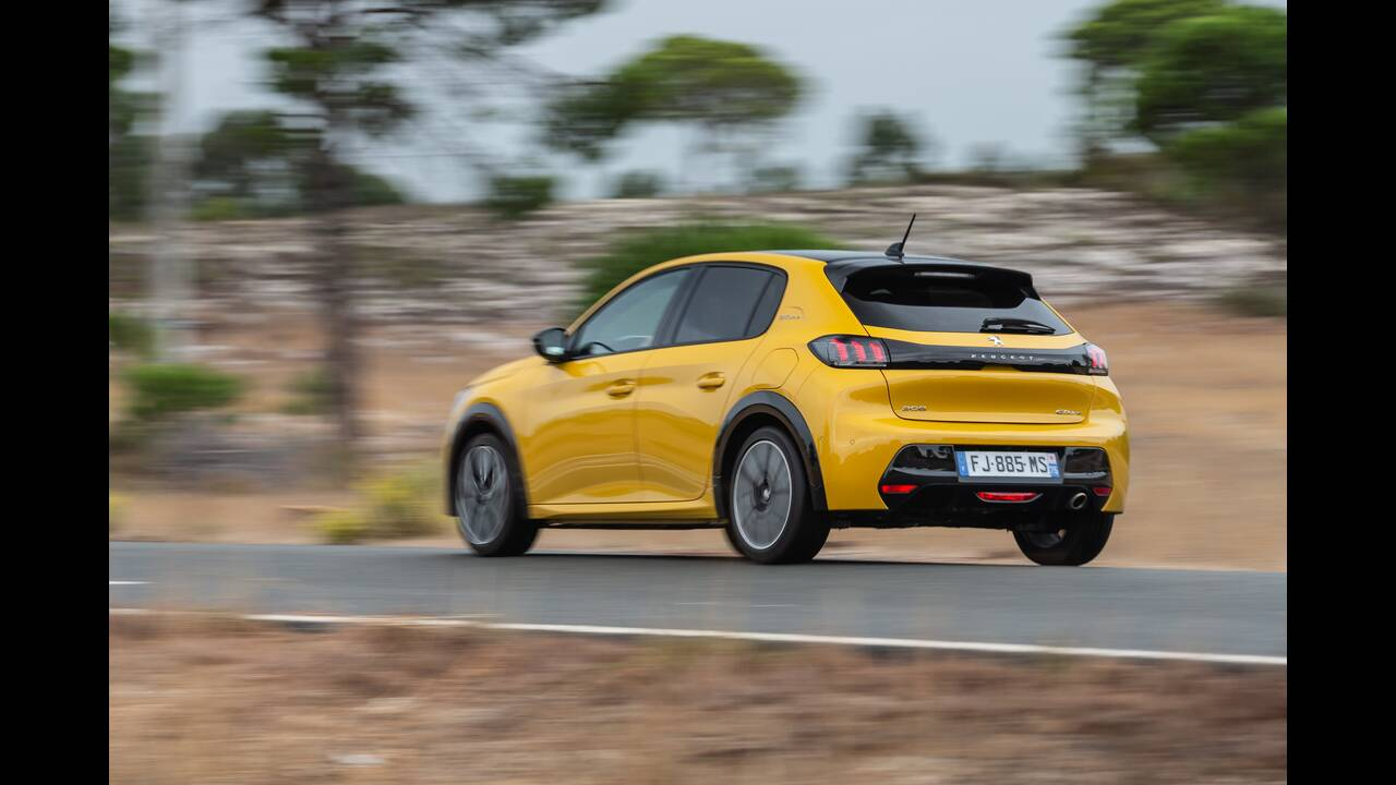 https://cdn.cnngreece.gr/media/news/2019/10/09/193299/photos/snapshot/PEUGEOT-208-GT-LINE-2.jpg