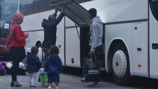 Στην Ελευσίνα έφτασαν 389 πρόσφυγες και μετανάστες από τη Σύμη