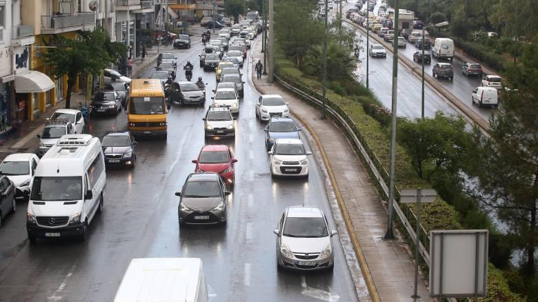 Κυκλοφοριακό χάος στους δρόμους της Αθήνας - Πού εντοπίζονται τα προβλήματα