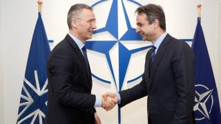 Επαφές Μητσοτάκη με τον γ.γ. του ΝΑΤΟ και τον πρόεδρο της Βουλγαρίας