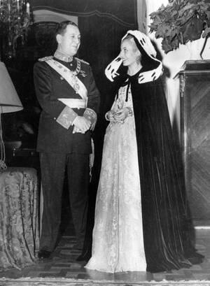 1950, Αργεντινή. Ο Χουάν και η Εύα Περόν.