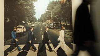 Το θρυλικό Abbey Road των Beatles, ξανά στο Νο1, 50 χρόνια μετά –  Γιατί μπήκε στα ρεκόρ Γκίνες