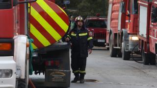 Φωτιά κοντά σε έξοδο της Αττικής Οδού στην Παιανία