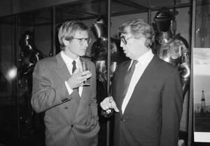 1985, Νέα Υόρκη. Ο Χάρισον Φορντ και ο Ρόμπερτ Μίτσαμ, εκπρόσωποι δύο γενεών υποκριτικής, σε πάρτι στο Μητροπολιτικό Μουσείο Τέχνης της Νέας Υόρκης.
