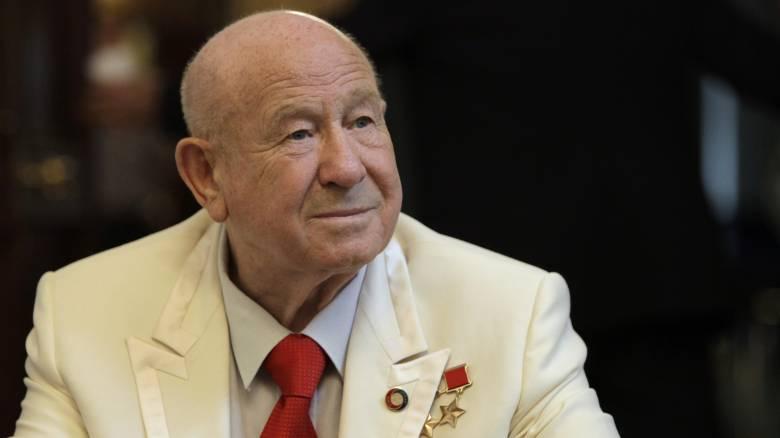 Αλεξέι Λεόνοφ: Πέθανε ο πρώτος άνθρωπος που περπάτησε στο διάστημα