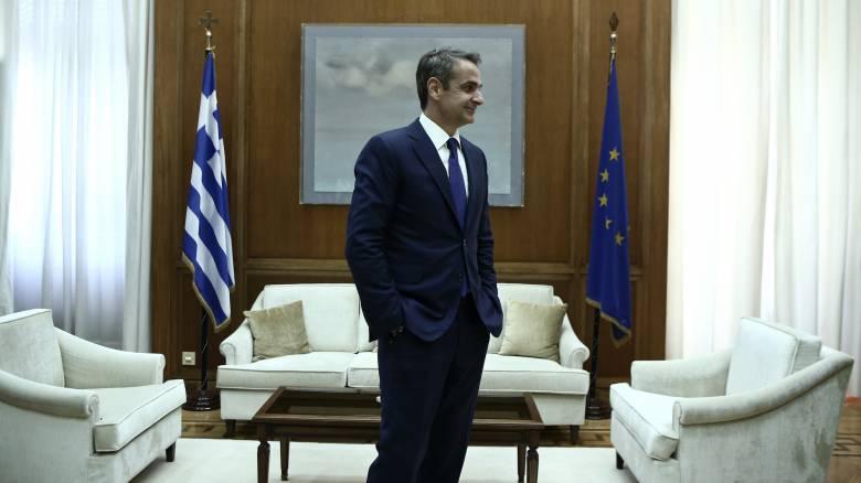 Το παρασκήνιο και το σκληρό παζάρι για την ψήφο των Ελλήνων του εξωτερικού