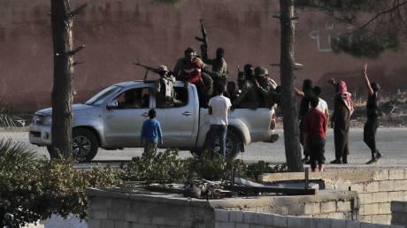 Γαλλικό Πρακτορείο: Οι δυνάμεις του συριακού καθεστώτος πλησιάζουν στα σύνορα με την Τουρκία