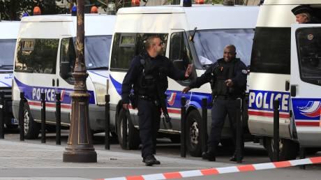 Γαλλία: Πέντε συλλήψεις για τη φονική επίθεση στο αρχηγείο της αστυνομίας