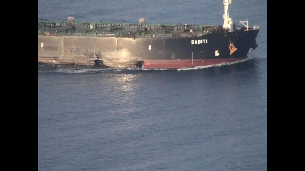 https://cdn.cnngreece.gr/media/news/2019/10/14/193844/photos/snapshot/tanker1.jpg