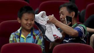 Το κινέζικο «Χρηματιστήριο των sneakers»: Τζίρος δισ., υπεραξίες και τρελαμένοι συλλέκτες