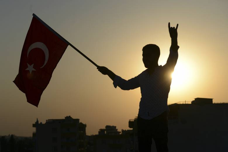 Τουρκική εισβολή Συρία: Η Τσεχία σταματά την πώληση όπλων στην Τουρκία