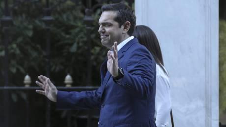 Τσίπρας: Ίσως πρέπει να δώσω διευθύνσεις και ονόματα για τα όσα διαδραματίστηκαν το 2015