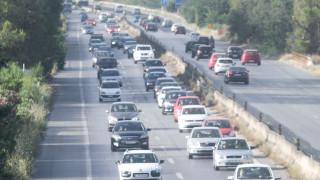 Κυκλοφοριακό χάος στην Αθηνών - Κορίνθου μετά από σύγκρουση οχημάτων