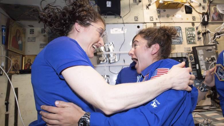 NASA: Διαστημικός περίπατος με άρωμα… γυναίκας
