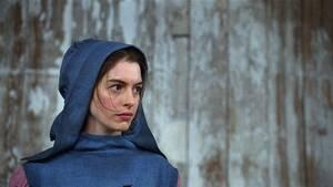 Αν Χάθαγουεϊ Η Αν Χάθαγουεϊ κέρδισε Όσκαρ Β' γυναικείου ρόλου για την ερμηνεία της στην ταινία «Les Misérables» (2012), αλλά ο ρόλος της Φαντίν, για τον οποίο έκοψε τα μαλλιά της και δεν έτρωγε τίποτα άλλο από μαρούλι για εβδομάδες, την άφησε σε άθλια κα
