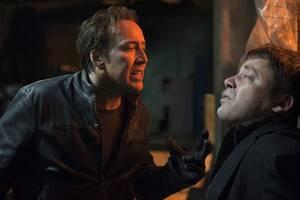 Νίκολας Κέιτζ Ο Νίκολας Κέιτζ έχει παράδοση στο να παίρνει πολύ στα σοβαρά τους ρόλους που ερμηνεύει, αλλά εκεί που το παράκανε πραγματικά είναι με το σίκουελ του Ghost Rider, την ταινία Spirit of Vengeance (2011). Ξέροντας ότι το κεφάλι του θα αντικαθίσ