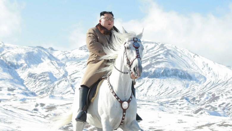 O... καβαλάρης Κιμ Γιονγκ Ουν εκτοξεύει απειλές εναντίον του πλανήτη
