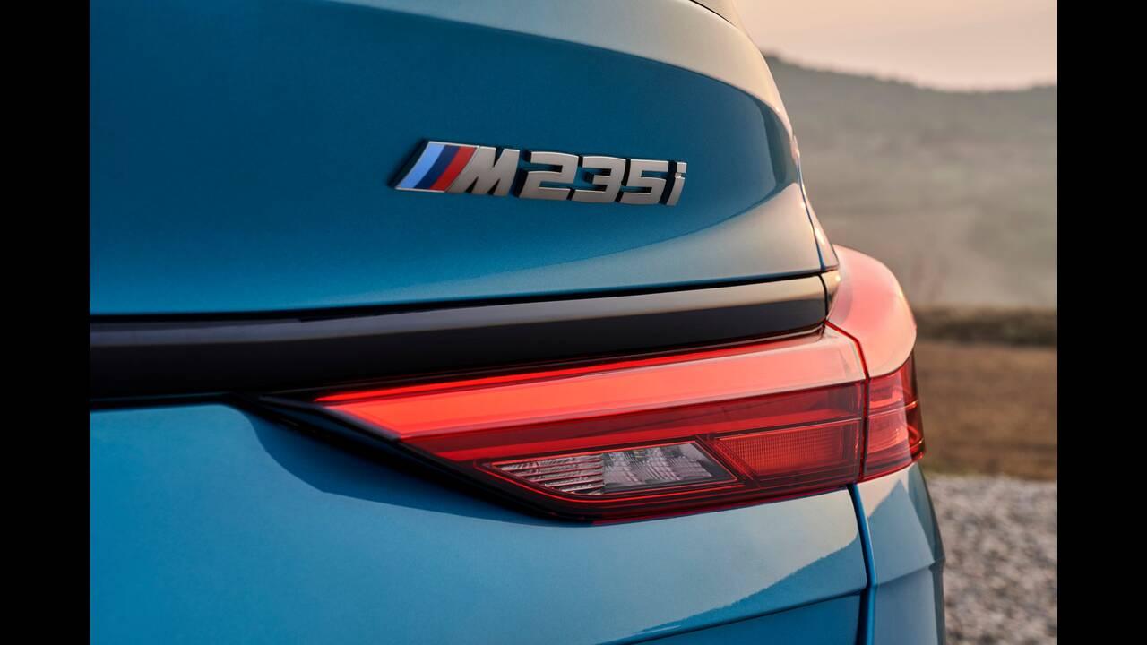 https://cdn.cnngreece.gr/media/news/2019/10/16/194093/photos/snapshot/BMW-2-GRAN-COUPE-12.jpg
