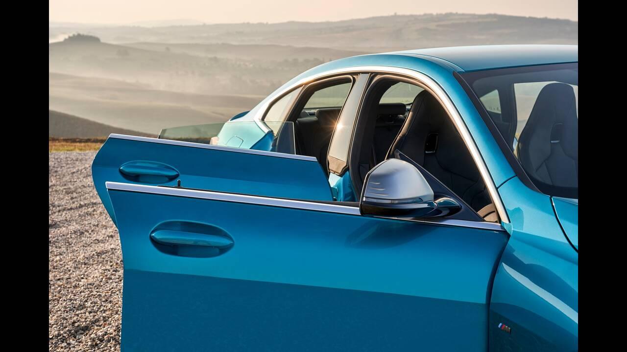 https://cdn.cnngreece.gr/media/news/2019/10/16/194093/photos/snapshot/BMW-2-GRAN-COUPE-14.jpg