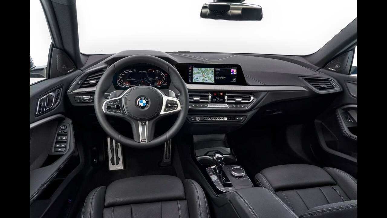 https://cdn.cnngreece.gr/media/news/2019/10/16/194093/photos/snapshot/BMW-2-GRAN-COUPE-17.jpg