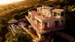 Θέλετε να ζήσετε σαν τη Barbie; Νοικιάστε το… αληθινό σπίτι της για 60 δολάρια!