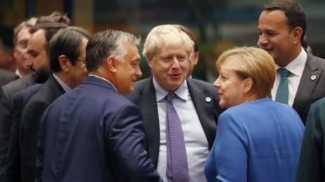 Brexit: Ικανοποίηση από Μέρκελ, Γιούνκερ και Τζόνσον για τη συμφωνία