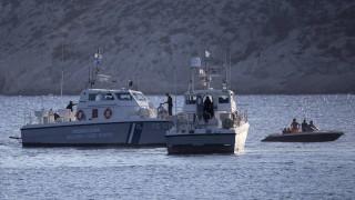 Συνεχίζονται οι έρευνες για τον εντοπισμό της λέμβου με τους μετανάστες στα ανοικτά των Οθωνών