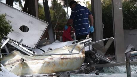 Ισχυρή έκρηξη Γλυφάδα: Εικόνες καταστροφής στο σημείο