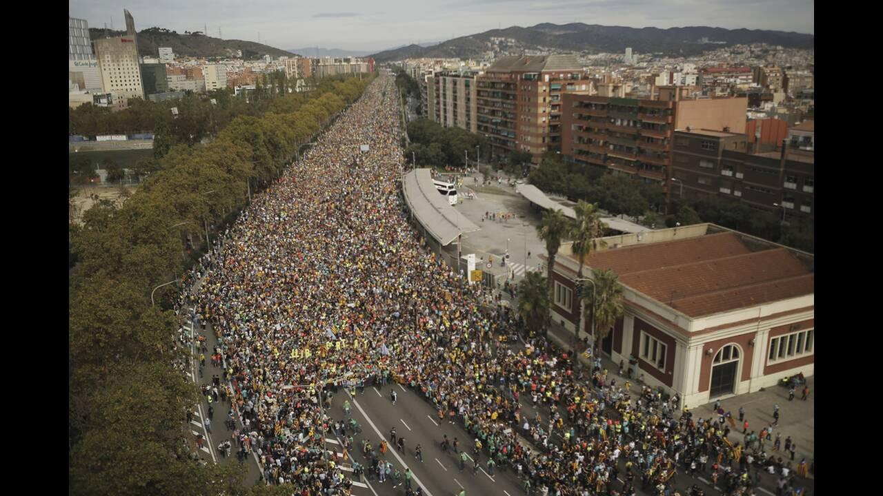 https://cdn.cnngreece.gr/media/news/2019/10/18/194336/photos/snapshot/catalonia-diadilwseis.jpg