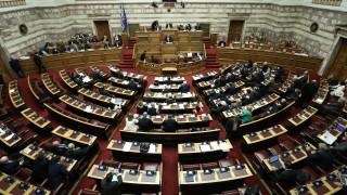 Ψήφος αποδήμων: Αισιοδοξία Μαξίμου για διακομματική συναίνεση - Για «θράσος» μιλά ο ΣΥΡΙΖΑ