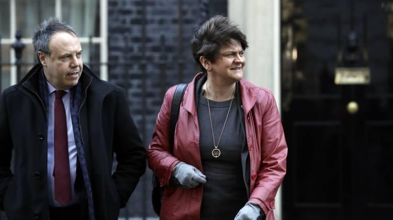 Βρετανία: Το βορειοϊρλανδικό DUP ίσως υποστηρίξει μια τροπολογία στη συμφωνία του Τζόνσον