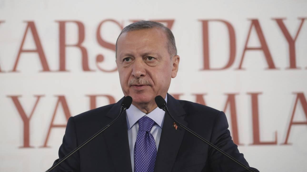 Ερντογάν: «Θα συντρίψουμε τα κεφάλια των Κούρδων αν δεν αποσυρθούν πλήρως»