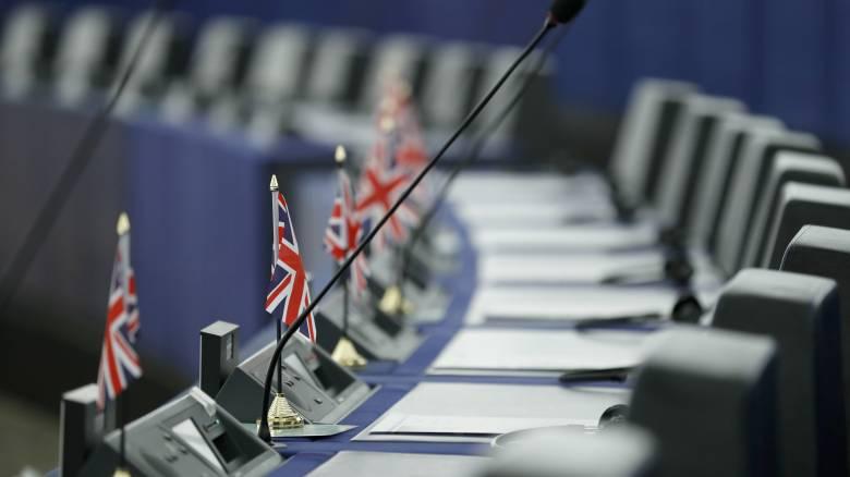 Αμηχανία των «27» της ΕΕ μετά την ήττα του Τζόνσον