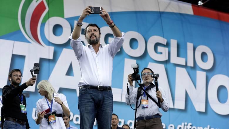 Ρώμη: Συγκέντρωση δεξιών και ακροδεξιών κατά της κυβέρνησης με επικεφαλής τον Σαλβίνι