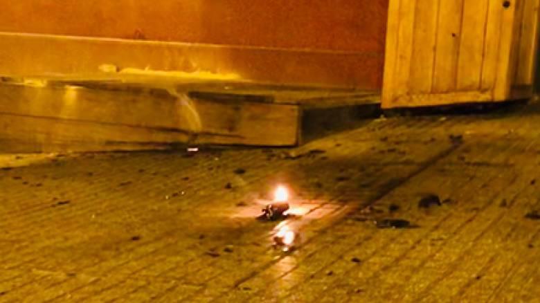 Θεσσαλονίκη: Άγνωστοι επιτέθηκαν με μολότοφ σε διμοιρία και περιπολικό