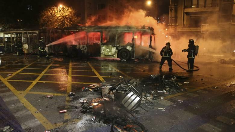 Χιλή: Αιματηρές διαδηλώσεις κατά της αύξησης των εισιτηρίων στα ΜΜΜ - Τρεις νεκροί
