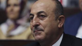 Τσαβούσογλου: Θα συζητήσουμε με Ρωσία την απομάκρυνση των Κούρδων σε Μανμπίτζ και Κομπάνι