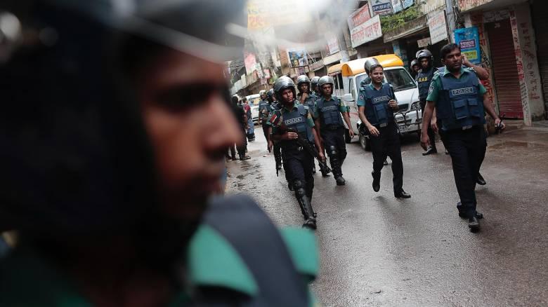Μπαγκλαντές: Νεκροί και τραυματίες σε επεισόδια με αφορμή ένα «βλάσφημο» σχόλιο στο Facebook