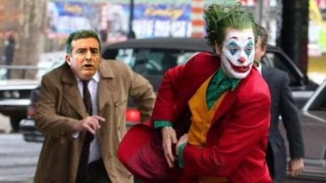 Ο Τσίπρας τρολάρει τον Χρυσοχοΐδη για τον Joker