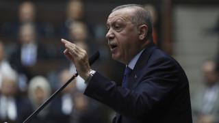 Ερντογάν: Η Δύση τάσσεται στο πλευρό των τρομοκρατών και μας επιτίθενται όλοι μαζί