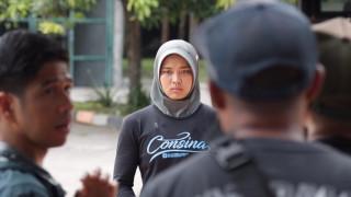 Αυτή είναι η Ινδονήσια… Spiderwoman που έσπασε ρεκόρ στην αναρρίχηση